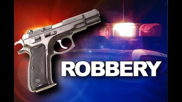 Armed Robber Ties Up Clerk at Radio Shack, Steals Electronics