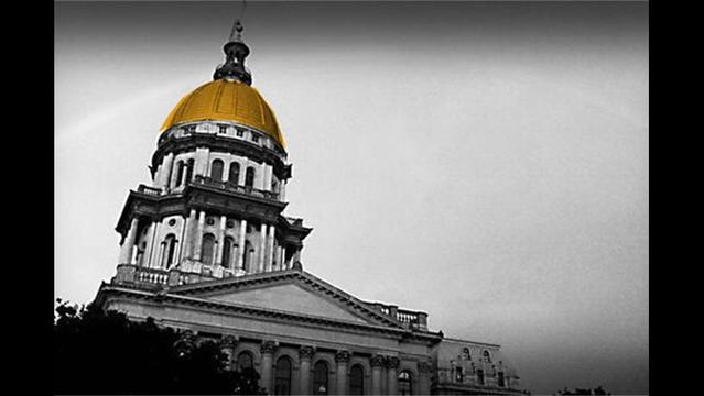 Are Illinois Legislators Trying to Vote Themselves a Pay Raise?