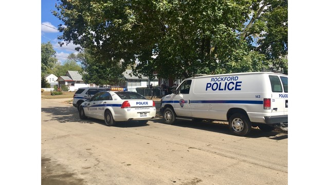 Rockford Police Searching Area on 10th Street for Shooting Suspect
