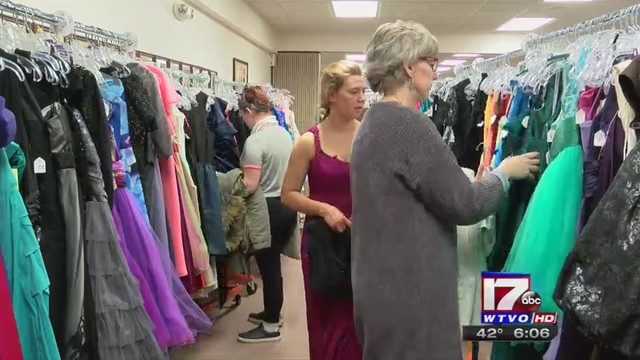 Rockford charity distributing free prom dresses to area students