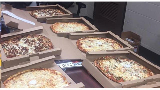 Canadian air traffic controllers buy pizzas for Rockford airport counterparts