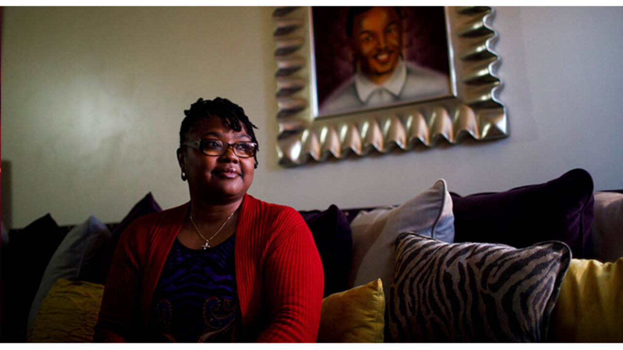 Mother of teen killed by police wants son's case reopened