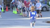 Rockford runners hit the pavement to raise money for youth sports.